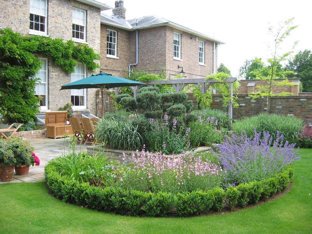 Парадная клумба вашего сада