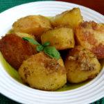Молодой картофель в сухарях
