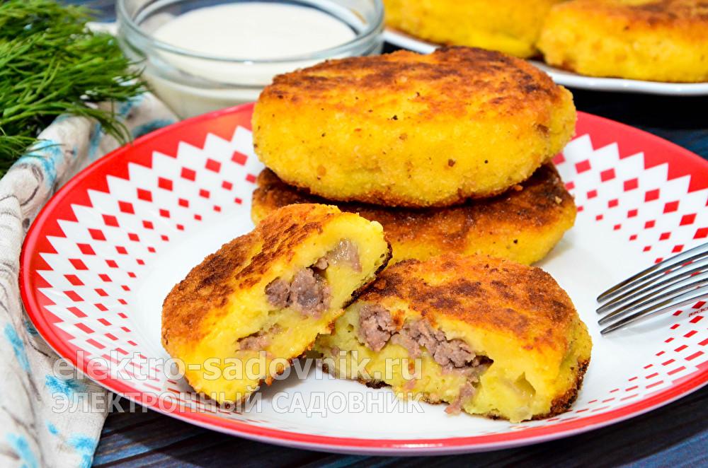 вкусные картофельные пирожки с мясом