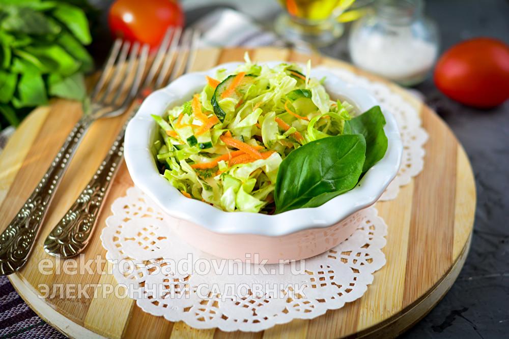 полезный салат из капусты и огурца
