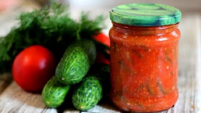 заготовка на зиму из огурцов и томатов
