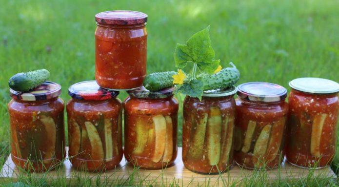 Обалденные рецепты огурцов в томатном соусе для хозяюшек - берите на заметку