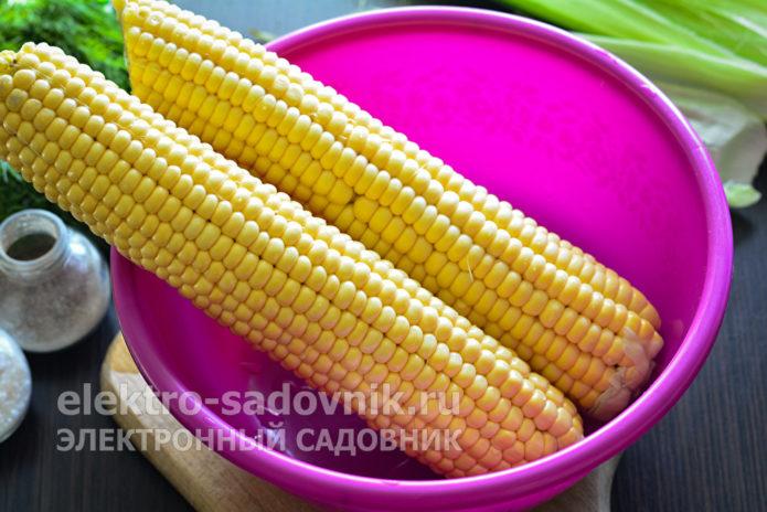 молодую кукурузу почистить