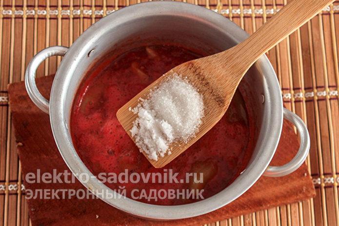 добавить соль с сахаром