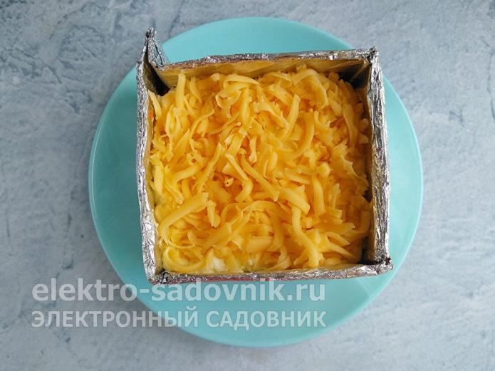 посыпать сыром