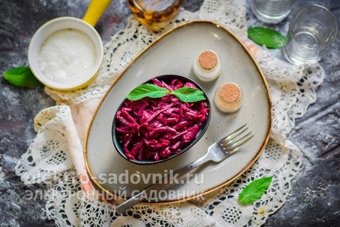 Свекольный салат с йогуртом
