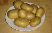 Почему чернеет картофель после варки, что делать