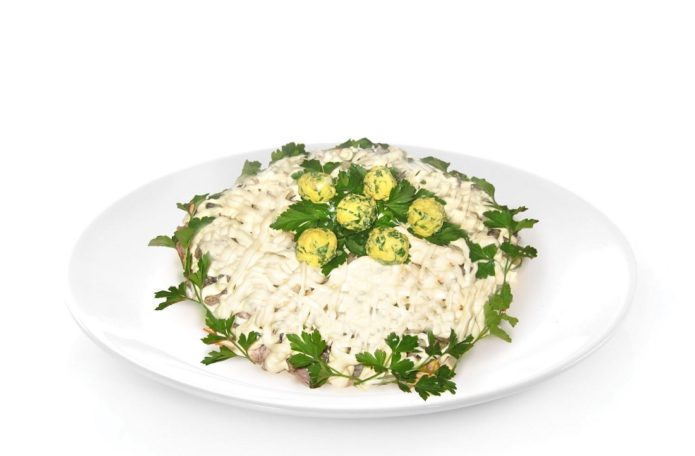 Салат с сыром и ананасами рецепт