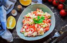 салат Остренький с фасолью и крабовыми палочками