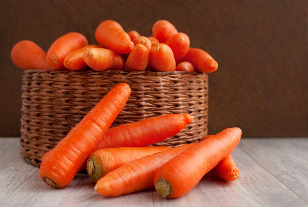 Храним морковь