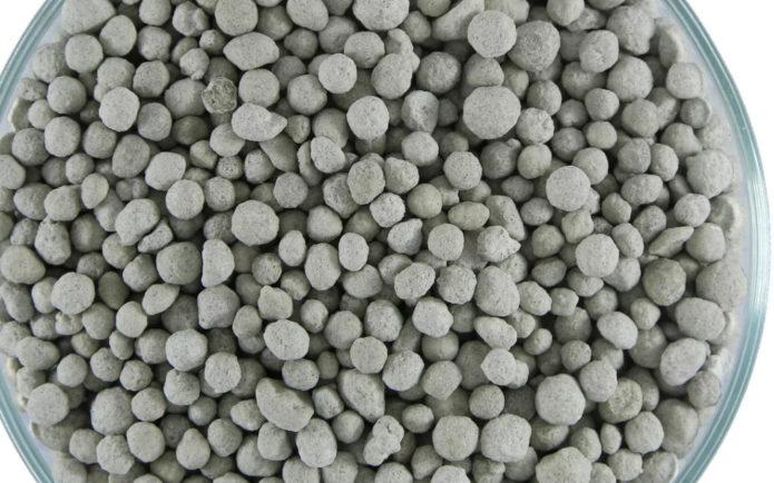 Что такое суперфосфат, какая от него польза и как применяется в качестве удобрения